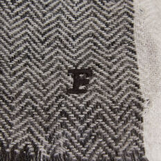 BORDER HERRINGBONE SCARF  BLACK/WHITE  hi-res