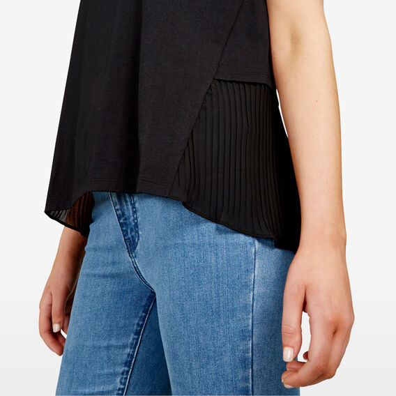PLEAT BACK TEE  BLACK  hi-res