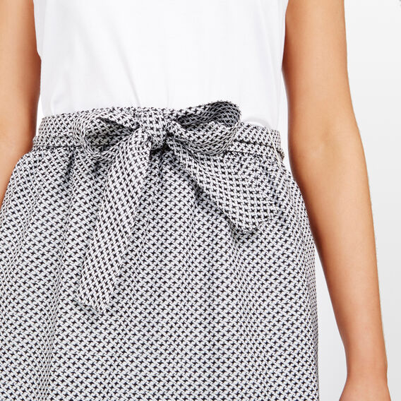 TEXTURED MIDI SKIRT  SUMMER WHITE/BLACK  hi-res