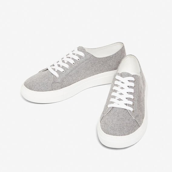 SOFT GREY SNEAKER  SOFT GREY  hi-res