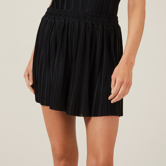 PLEATED SHORT  BLACK  hi-res