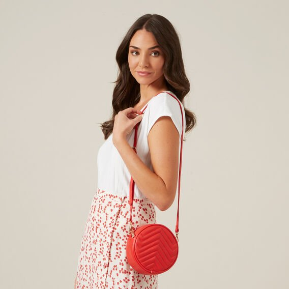 QUILTED CIRCLE BAG  RED  hi-res