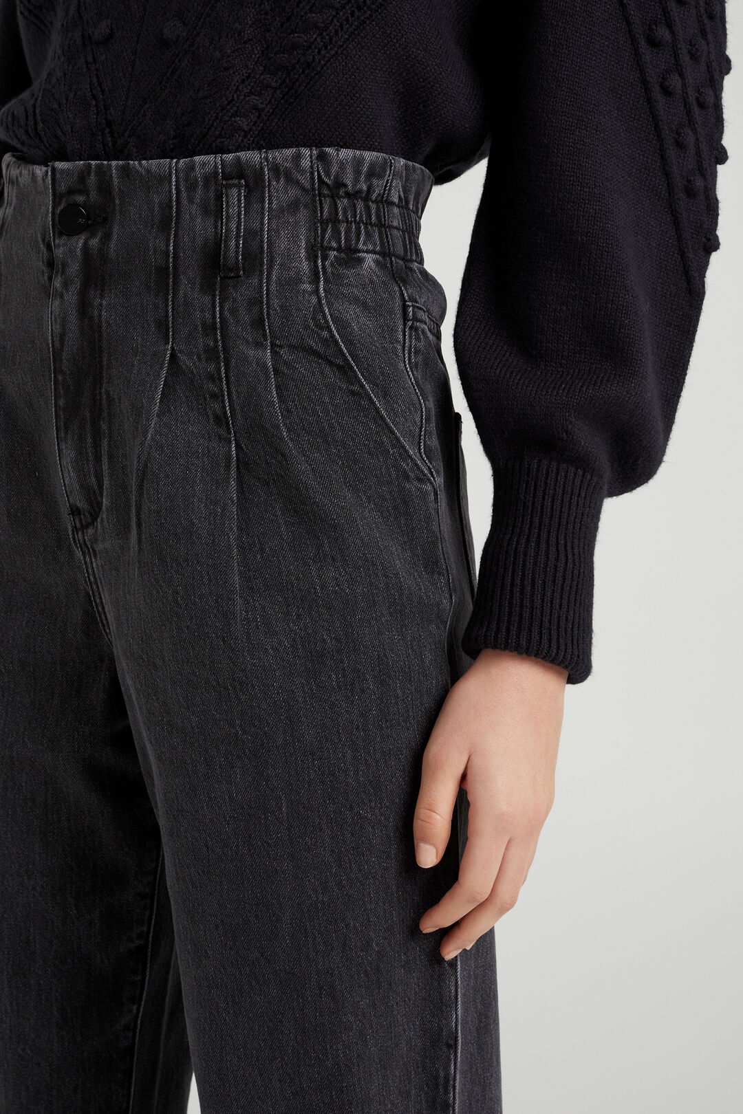 HIGH RISE TAPERED JEAN  WASHED BLACK  hi-res
