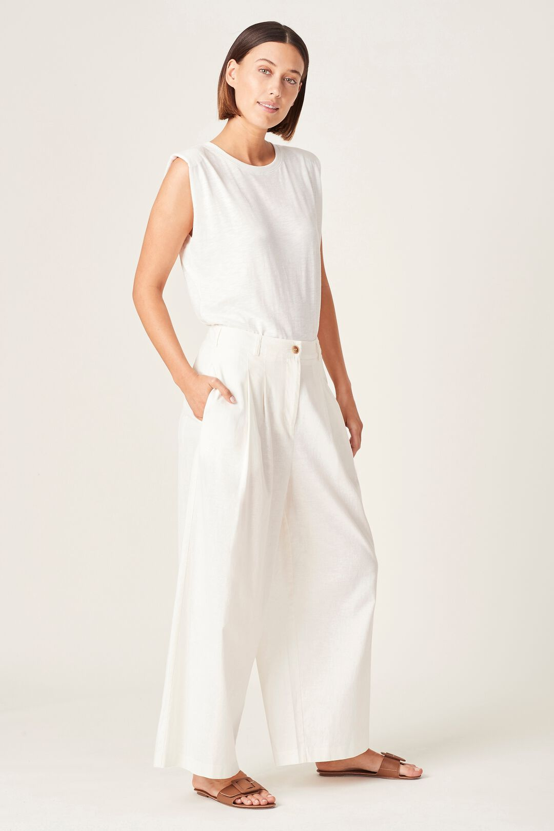PADDED TANK TOP  SUMMER WHITE  hi-res