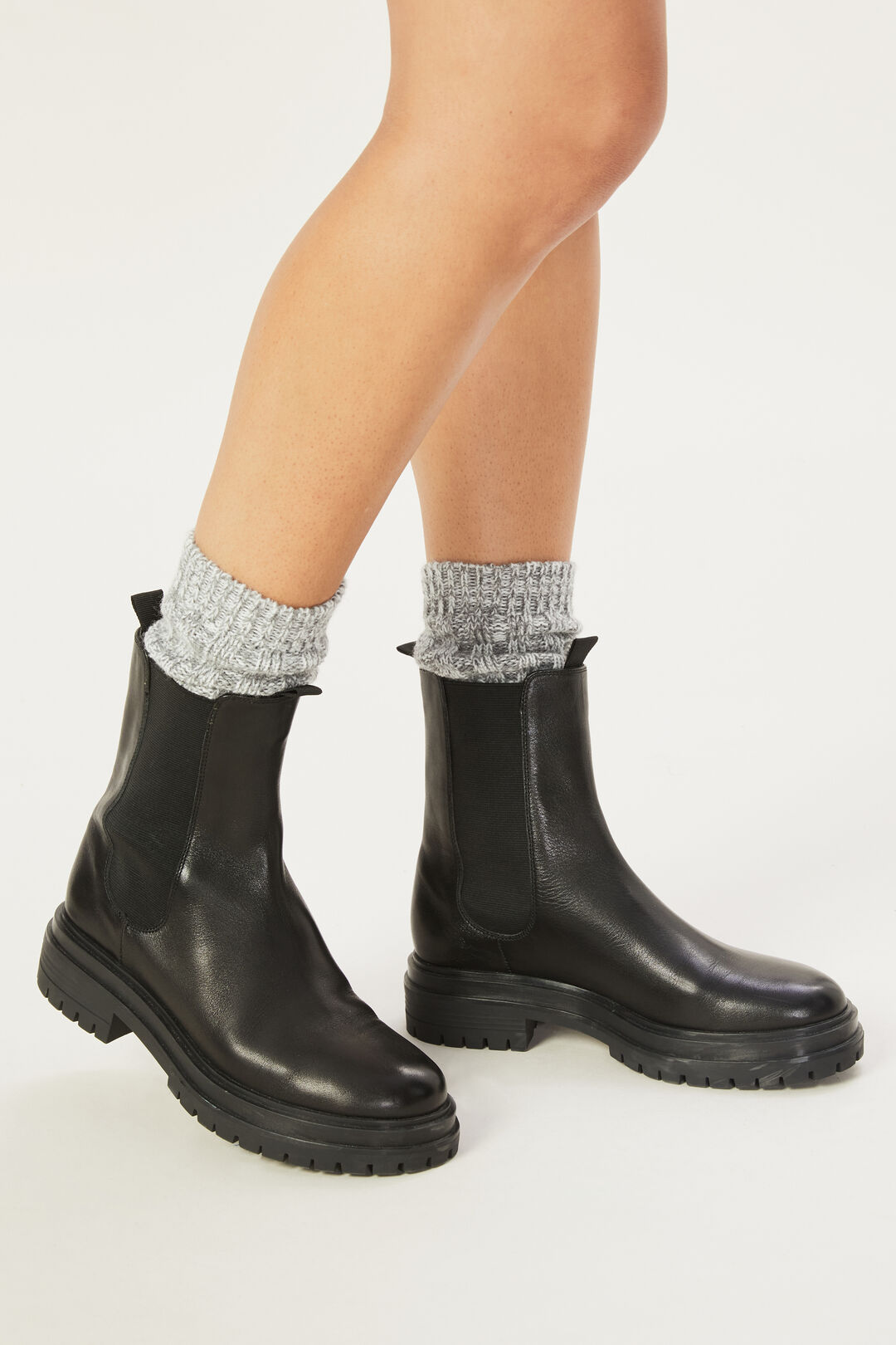 LEATHER CHELSEA BOOT  BLACK  hi-res