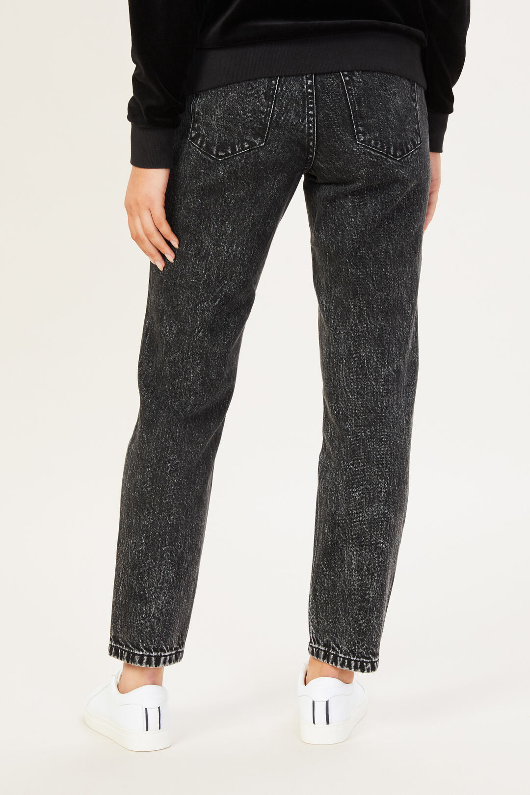 HIGH RISE STRAIGHT LEG JEAN  WASHED BLACK  hi-res
